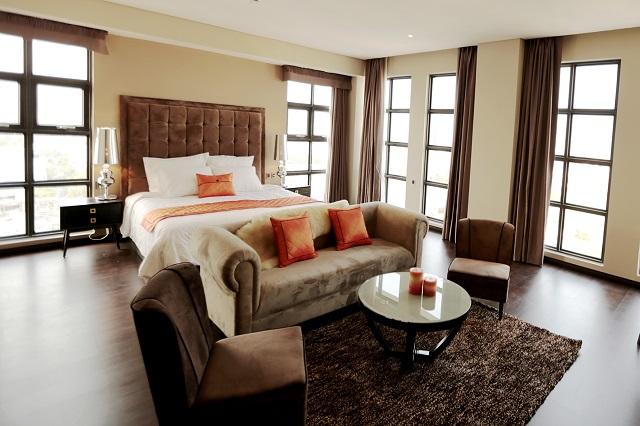 Hình 3 – Nội thất sạng trọng bên trong Sanouva Hotel