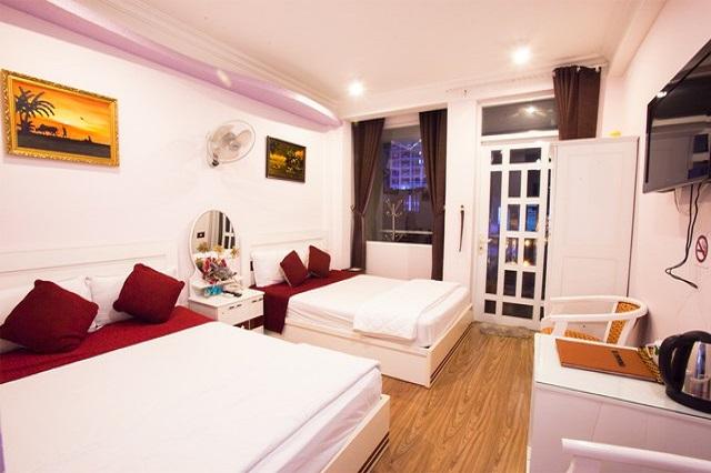 Hình 8- Khách sạn CR Hotel một trong những lựa chọn tốt nhất khi du lịch Nha Trang