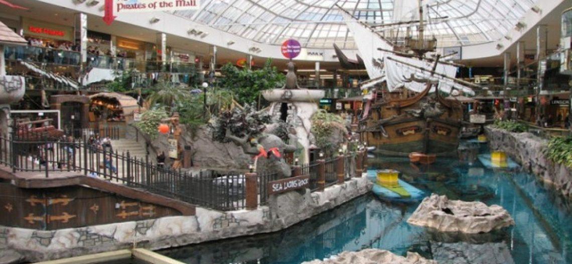 """Thỏa sức shopping tại 4 """"thiên đường mua sắm"""" số 1 ở Canada"""