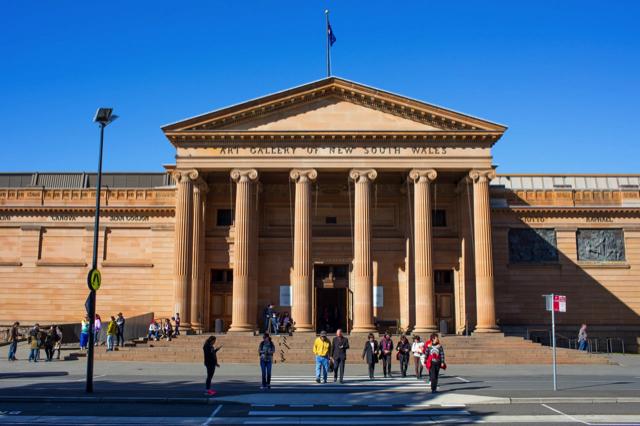 Phòng trưng bày nghệ thuật của NSW là một toà nhà thế kỷ 19 ấn tượng với bộ sưu tập nghệ thuật đa dạng và nhiều giá trị