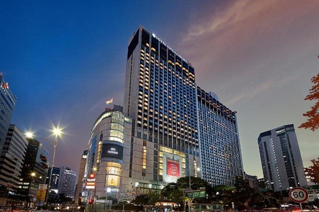 Khách sạn tọa lạc tại trung tâm Seoul náo nhiệt, phồn hoa