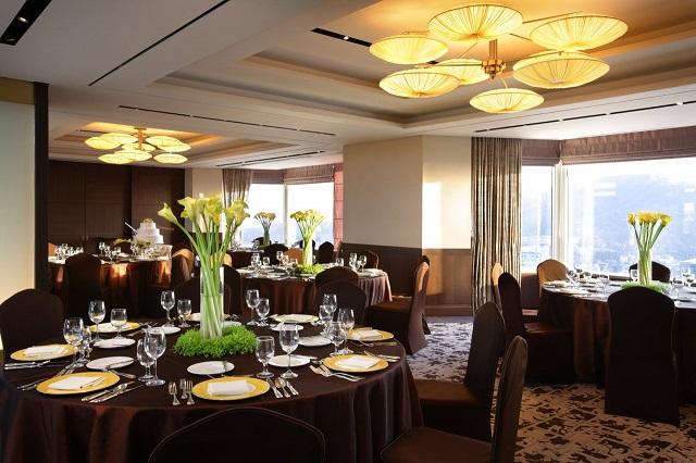 Hệ thống nhà hàng sang trọng, phục vụ nhiều món ngon hấp dẫn
